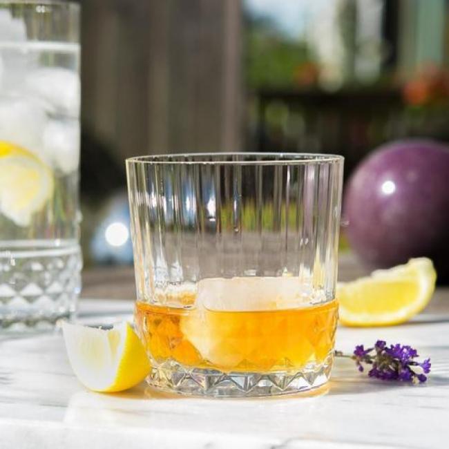 Стъклена чаша за коктейли / аператив