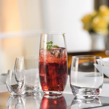 Безалкохолни напитки и вода