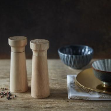 Мелнички за пипер и сол