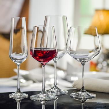 Чаши за вино и шампанско